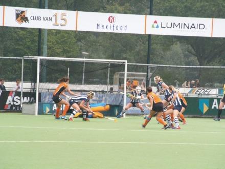 22-09-2013 Oranje Zwart D1 -hdm D1 3-3