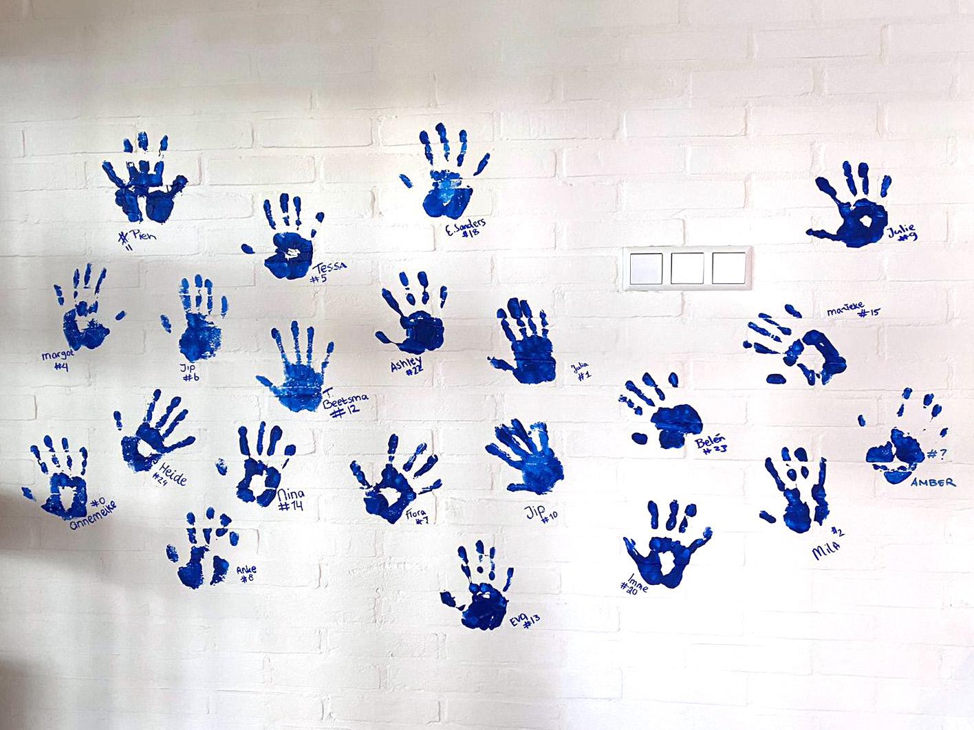 hand_d1a.jpg